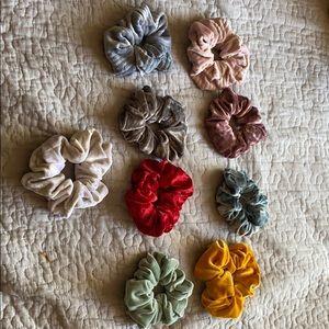 9 scrunchies